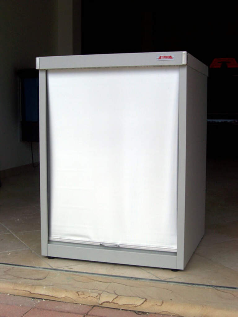 Porta lavatrice zincoplastificato con serrandina cosmet for Coprilavatrice alluminio