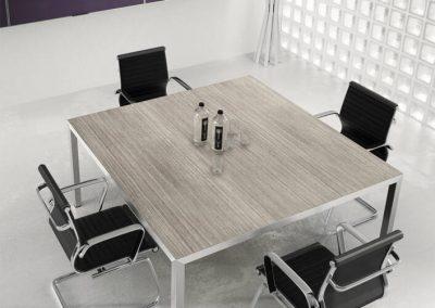 riunioni_tavolo_design_moderno_quadrato_legno